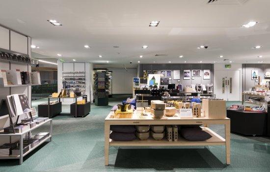 New mezzanine level of Science Museum Shop