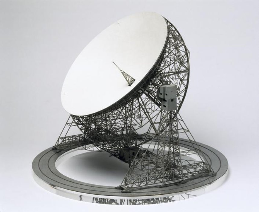Scale model of the Jodrell Bank Lovell telescope