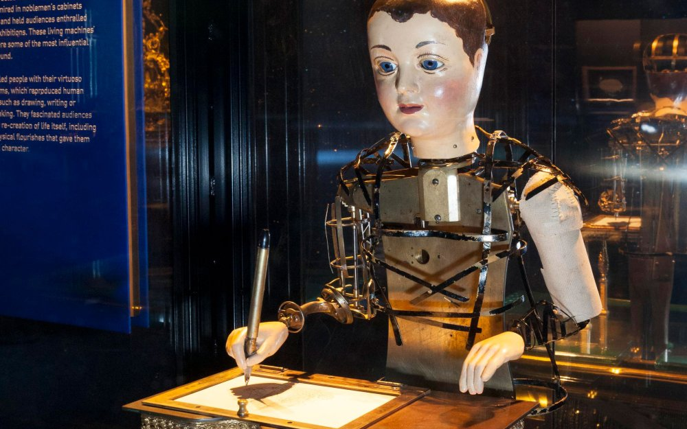 Automaton Draughtsman-writer by Henri Maillardet, London, c1800.