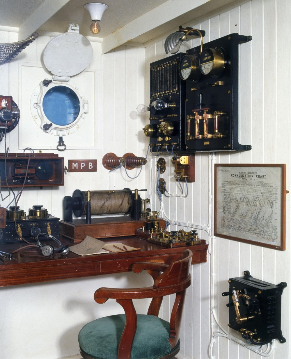 Reconstruction of a ship's radio room from c.1910, showing telegraph equipment