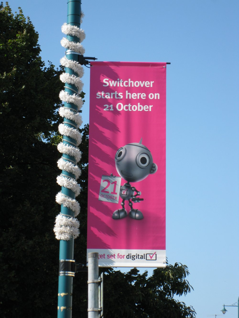 Digital switchover advertisement on a lamp post in Portmadog, Wales, September 2009
