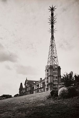 A photograph of Alexandra Palace, taken in August 1936, showing the BBC's mast and transmitting aerials