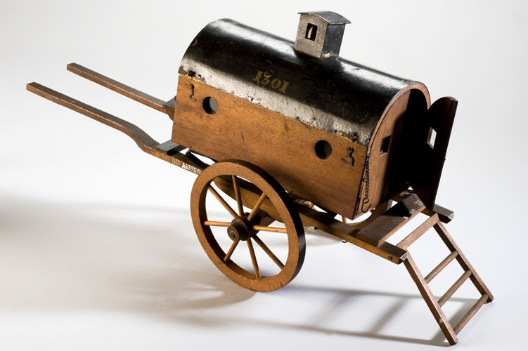 Model of an early horse drawn field ambulance