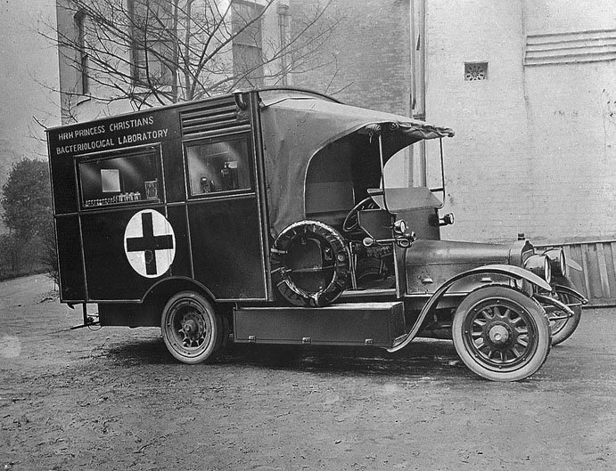 A mobile bacteriology laboratory from the First World War