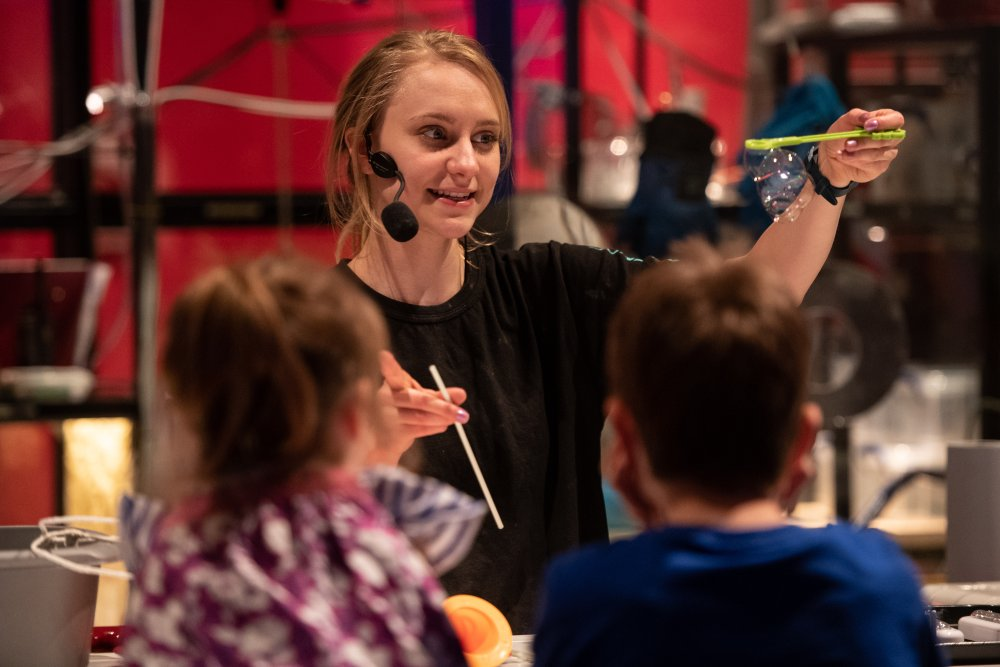 Science Museum Explainer performs bubble demonstrations © Science Museum Group